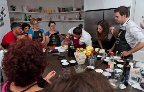 Curso de cocina teambuilding de cocina en Madrid centro