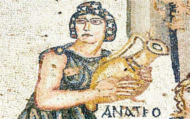 mosaico-mujer-vino-roma